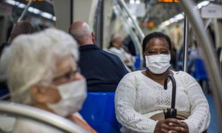 Em novo boletim do Ministério da Saúde, casos confirmados de coronavírus saltou de 60 para 77 no Brasil