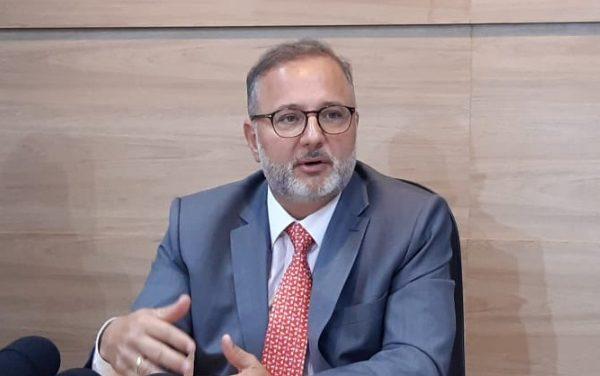 Secretário estadual da Saúde testa positivo para a Covid-19