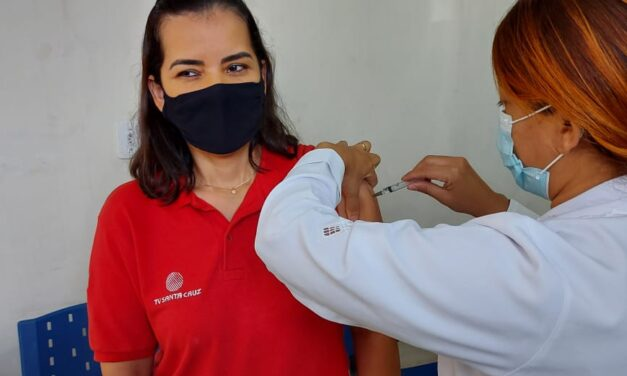 Itabuna vacina profissionais de imprensa contra a Covid-19