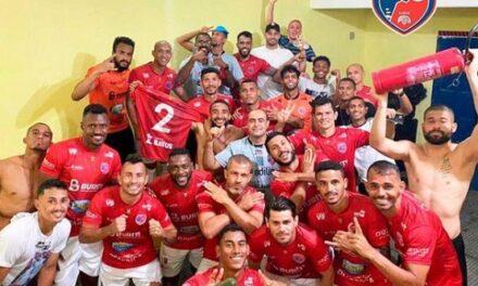 Barcelona vence o Colo-Colo e decide título da Série B contra o Botafogo