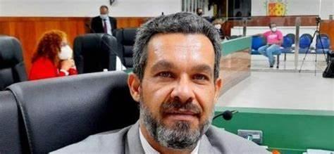 """Acusado de participar de """"rachadinha"""" e de assédio, Luca Lima tem mandato cassado pela Câmara de Ilhéus"""