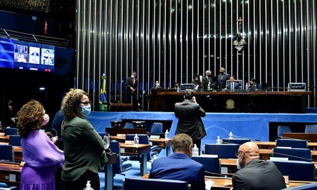 Congresso derruba veto de Bolsonaro e garante suspensão de despejos