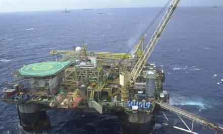 Deputados cobram mudança na política de preços dos combustíveis da Petrobras